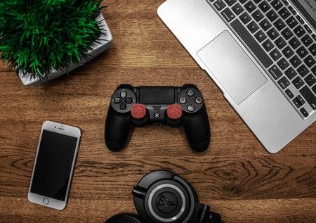 Handyvertrag mit Gamer Laptop